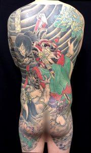 九紋龍史進と菊散らしの刺青、和彫り(Japanese Tattoo)画像