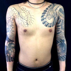 蛇と般若・生首の刺青、和彫り(Japanese Tattoo)画像