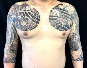 鯉群と紅葉散しの刺青、和彫り(Japanese Tattoo)画像