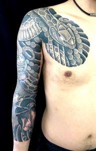 蛇と面・生首の刺青、和彫り(Japanese Tattoo)画像