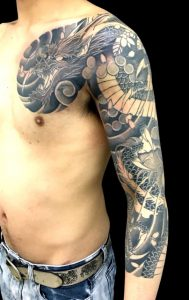 阿形の龍と桜散しの刺青、和彫り(Japanese Tattoo)画像
