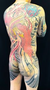 鳳凰と菊の刺青、和彫り(Japanese Tattoo)です。