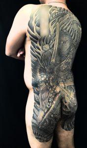 不動明王と正面龍の刺青、和彫り(Japanese Tattoo)の画像です。