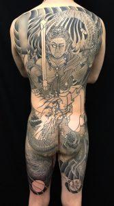 不動明王と龍の刺青、和彫り(Japanese Tattoo)の画像です。