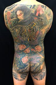 九紋龍史進と柳の刺青、和彫り(Japanese Tattoo)の画像です。