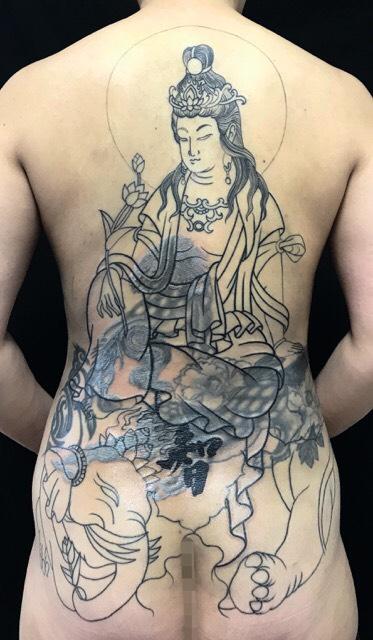 普賢菩薩 ※フルカバーアップの刺青、和彫り(Japanese Tattoo)の画像です。