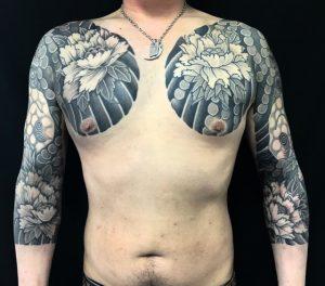 唐獅子牡丹散らしの刺青、和彫り(Japanese Tattoo)の画像です。