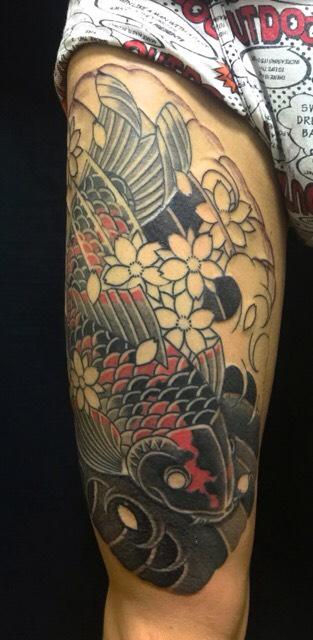 錦鯉と桜の刺青、和彫り(Japanese Tattoo)の画像です。