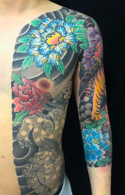 虎・唐獅子・牡丹・恵比寿の刺青、和彫り(Japanese Tattoo)の画像です。