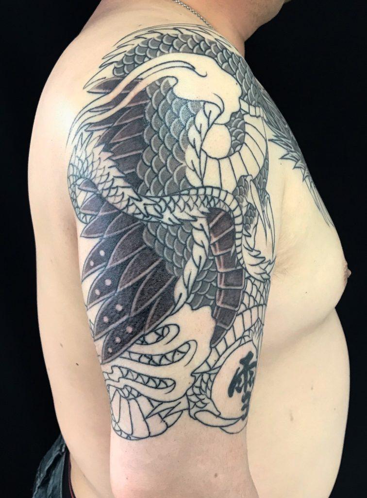 応龍と珠の刺青、和彫り(Japanese Tattoo)の画像です。