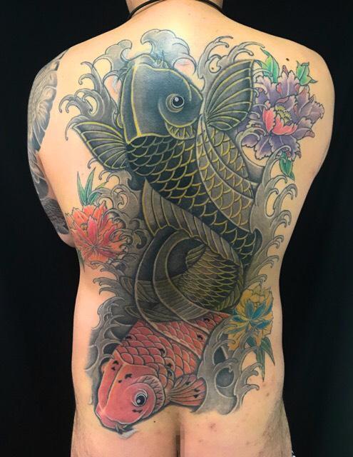 夫婦鯉・牡丹 ※カバーリメイクの刺青、和彫り(Japanese Tattoo)の画像です。