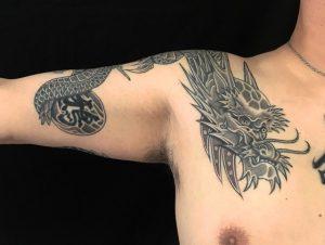 龍・水晶・漢字の刺青、和彫り(Japanese Tattoo)の画像です。