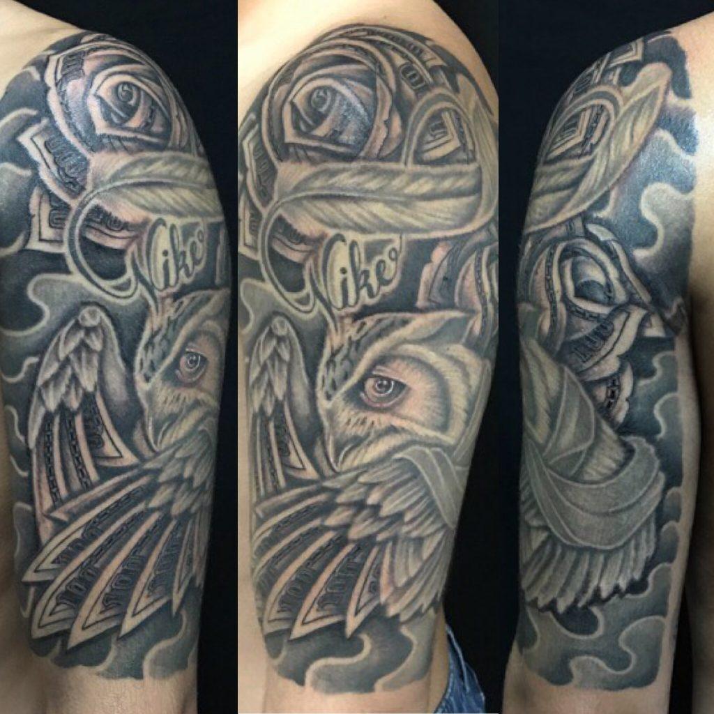 フクロウ&マネーローズのTattoo(タトゥー)、洋彫りの画像です。