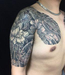 蛇・牡丹の刺青、和彫り(Japanese Tattoo)の画像です。
