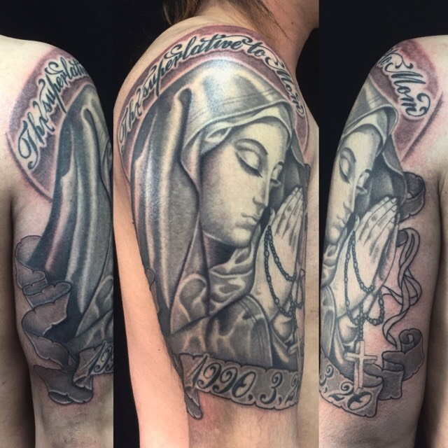 聖母マリア・レタリングのTattoo(タトゥー)、洋彫りの画像です。