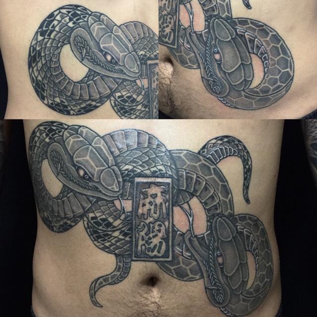 阿吽の蛇の刺青、和彫り(Japanese Tattoo)の画像です。