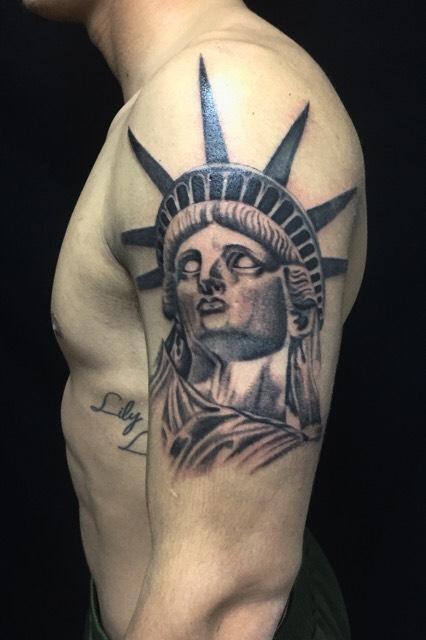 自由の女神のTattoo(タトゥー)、洋彫りの画像です。