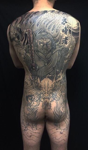 不動明王・正面龍・制咜迦・矜羯羅の刺青、和彫り(Japanese Tattoo)の画像です。