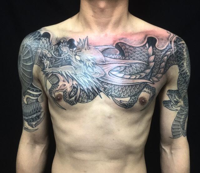 龍(胸全面)の刺青、和彫り(Japanese Tattoo)です。