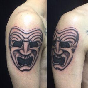 喜劇マスクのTattoo(タトゥー)、洋彫りの画像