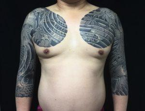 鯉群・紅葉の刺青、和彫り(Japanese Tattoo)の画像