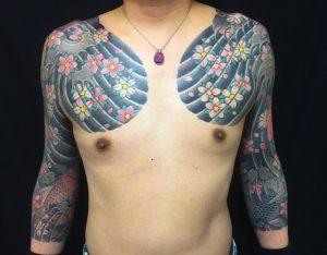 鯉・金魚・出目金・桜花の刺青、和彫り(Japanese Tattoo)の画像
