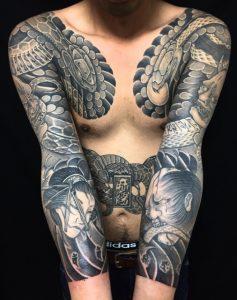 阿吽の蛇・生首・般若・獅子口・梵字の刺青、和彫り(Japanese Tattoo)の画像