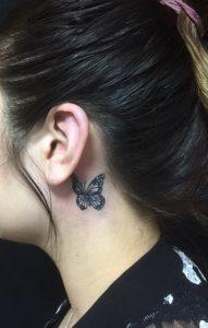 蝶のワンポイントTattoo(タトゥー)の画像