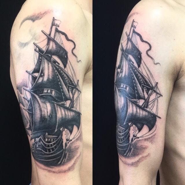 船のワンポイントTattoo(タトゥー)の画像