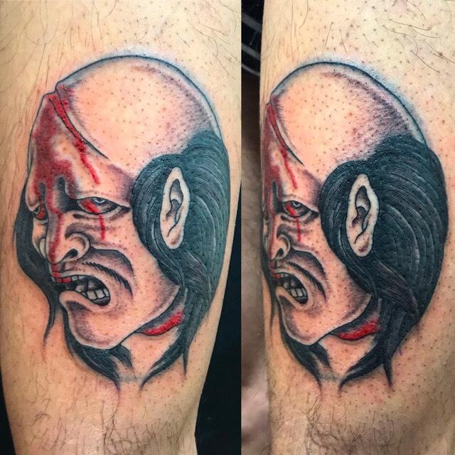 生首のワンポイントTattoo(タトゥー)の画像