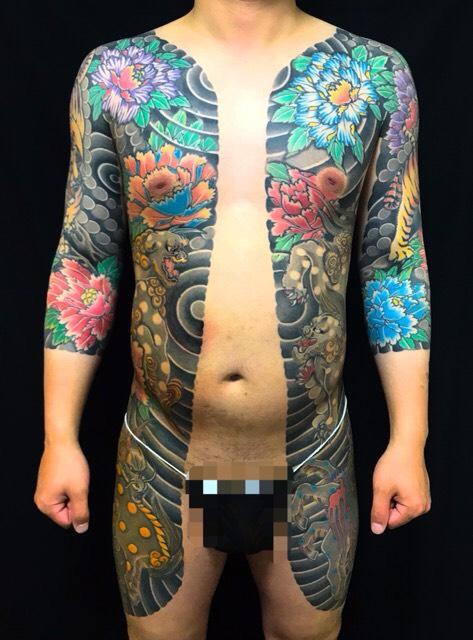 胸割り・唐獅子・牡丹・虎・麒麟の刺青、和彫り(Japanese Tattoo・タトゥー)の画像