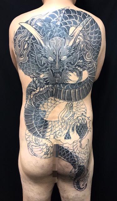 正面龍※カバーアップ・フルリメイクの刺青、和彫り(Japanese Tattoo・タトゥー)の画像