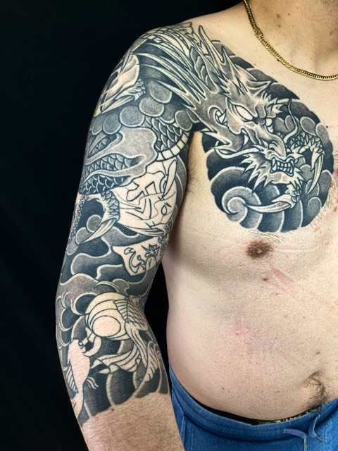 龍・控え七分袖の刺青、和彫り(Japanese Tattoo・タトゥー)の画像