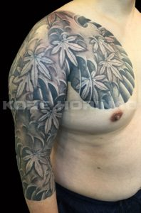 紅葉散らしと波しぶきの刺青、和彫り(Japanese Tattoo)画像