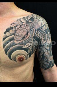 蛇と紅葉の刺青、和彫り(Japanese Tattoo)画像