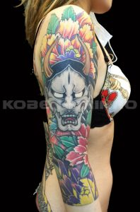 般若と牡丹の刺青、和彫り(Japanese Tattoo)画像