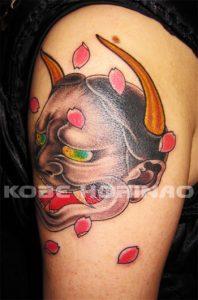 般若と桜花弁の刺青、和彫り画像