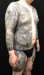 鯉群・紅葉散らし・波しぶきの刺青、和彫り(Japanese Tattoo)画像