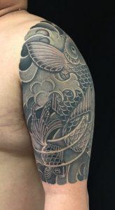 登り鯉と金魚の刺青、和彫り(Japanese Tattoo)の画像です。