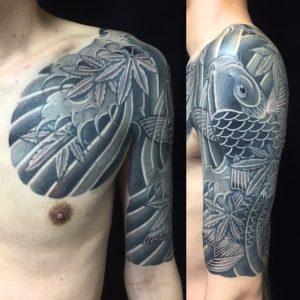 登り鯉・紅葉の刺青、和彫り(Japanese Tattoo)の画像