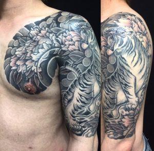 虎・牡丹の刺青、和彫り(Japanese Tattoo)の画像
