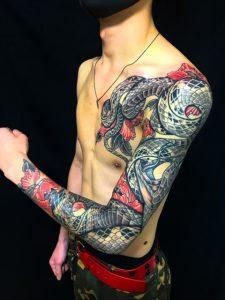 蛇・牡丹散らしの刺青、和彫り(Japanese Tattoo)の画像